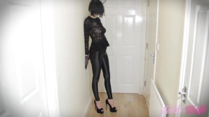 Sexy Amateur in a CatWoman Costume fucks her man and drinks his milk!!