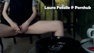 Got2Pee Public pissing extreme - Laura Fatalle