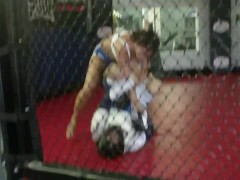 Rachel Starr taps out