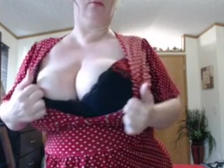 Naughty slut drain your ball sacks as you watch this milf...